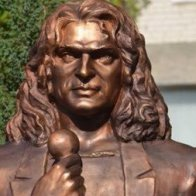 Мать Скрябина требует снести памятник певцу в Луцке