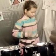 Юная барабанщица-вундеркинд вышла в финал международного конкурса